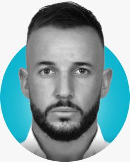 Photo d'identité de Thomas Dussart avec cercle bleu turquoise en fond